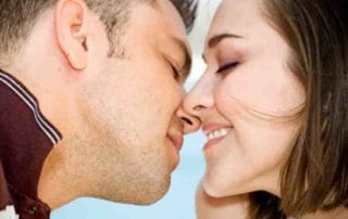 10 Shocking Kissing Facts
