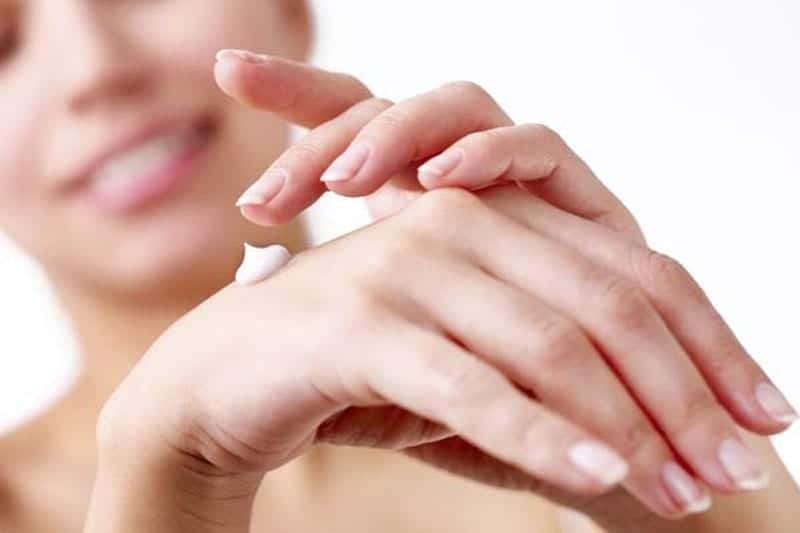 Benefits of Moisturizing Skin Daily