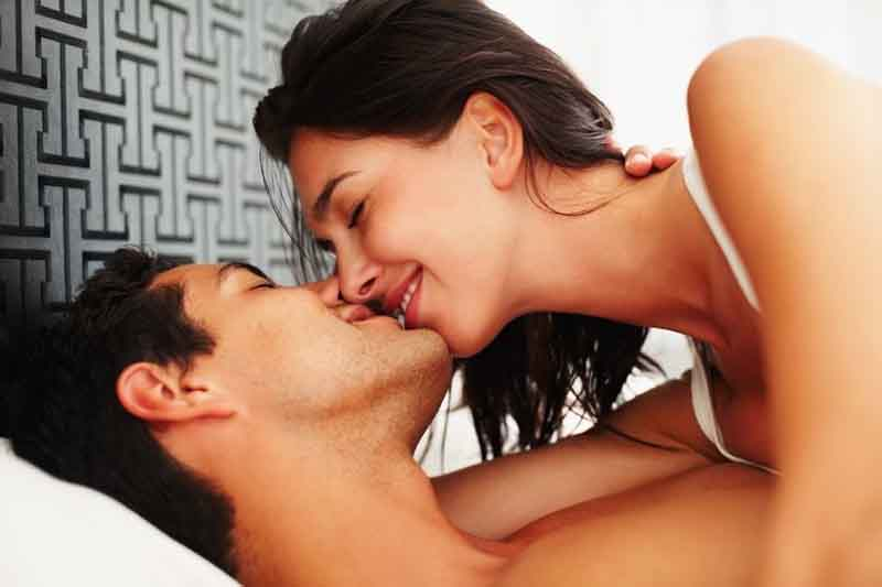 A Passionate Kiss - 3 Simple Secrets