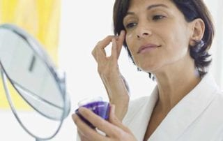 4 Incredible Tips for Proper Eye Cream Use